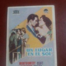 Foglietti di film di film antichi di cinema: UN LUGAR EN EL SOL CON PUBLICIDAD TEATRO CINE FRAGA VIGO. Lote 233977715