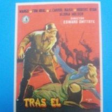 Cine: TRAS EL SOL NACIENTE. Lote 236788460