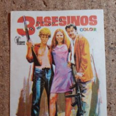 Cine: FOLLETO DE MANO DE LA PELICULA TRES ASESINOS. Lote 243394450