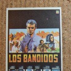 Cine: FOLLETO DE MANO DE LA PELICULA LOS BANDIDOS. Lote 243972500
