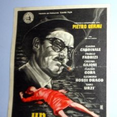 Cine: PROGRAMA FOLLETO MANO CINE - UN MALDITO EMBROLLO CARDINALE. CINE VICTORIA ZARAGOZA. ANTIGUO AÑO 1961. Lote 254619035