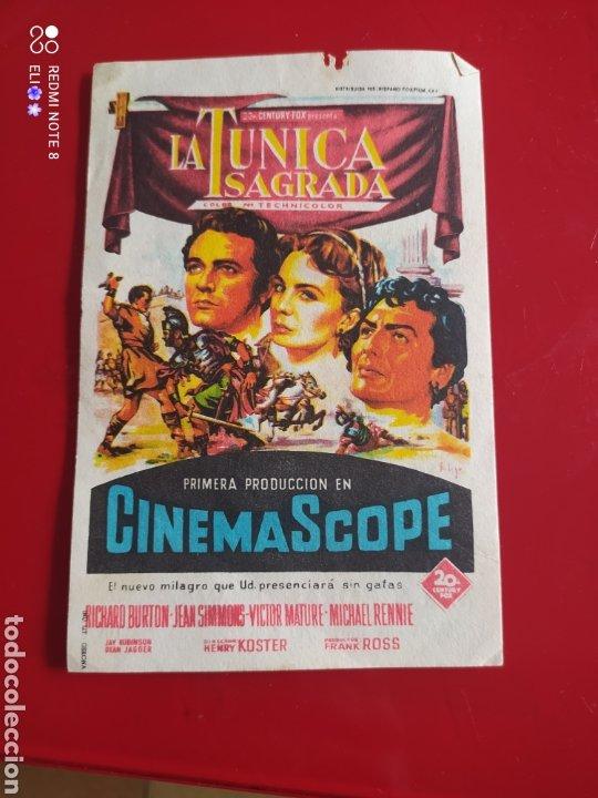 FOLLETO DE MANO LA TUNICA SAGRADA AÑO 1956 CINE MUNDIAL (Cine - Folletos de Mano - Bélicas)