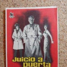 Folhetos de mão de filmes antigos de cinema: FOLLETO DE MANO DE LA PELÍCULA JUICIO A PUERTA CERRADA CON PUBLICIDAD. Lote 266128538