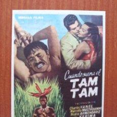 Flyers Publicitaires de films Anciens: CUANDO SUENA EL TAM TAM (CON PUBLICIDAD). Lote 268731914