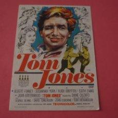 Cine: FOLLETO DE MANO PROGRAMA DE CINE TOM JONES SIN PUBLICIDAD LOTE 87 MIRAR FOTOS. Lote 268742714