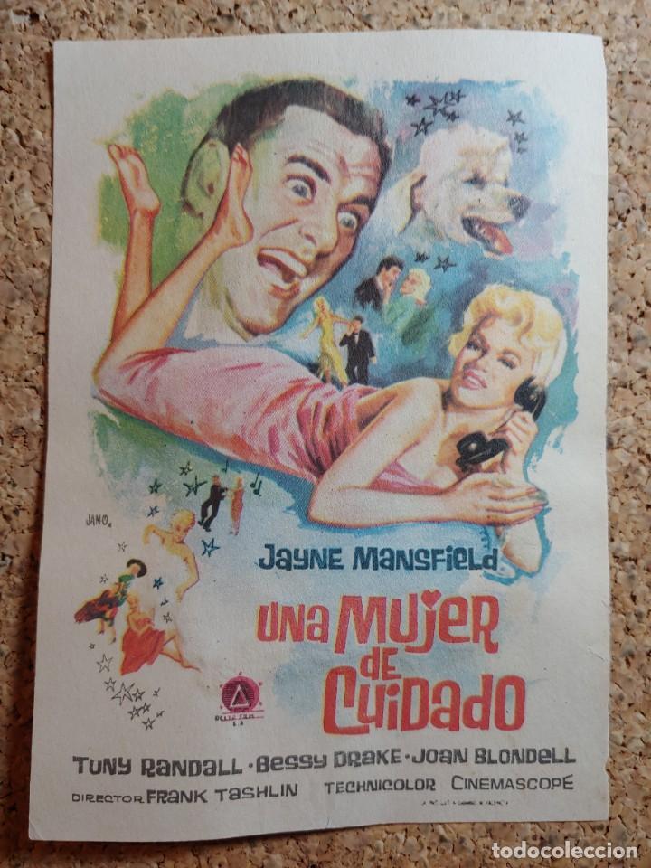 FOLLETO DE MANO DE LA PELÍCULA UNA MUJER DE CUIDADO (Cine - Folletos de Mano - Comedia)