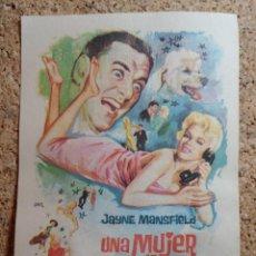 Folhetos de mão de filmes antigos de cinema: FOLLETO DE MANO DE LA PELÍCULA UNA MUJER DE CUIDADO. Lote 268853164