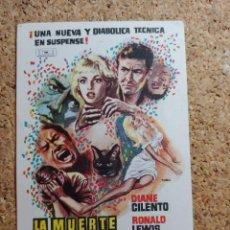 Folhetos de mão de filmes antigos de cinema: FOLLETO DE MANO DE LA PELÍCULA LA MUERTE LLEGA DE NOCHE. Lote 268853529