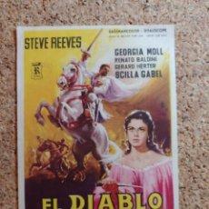 Cine: FOLLETO DE MANO DE LA PELÍCULA EL DIABLO BLANCO CON PUBLICIDAD. Lote 270001948