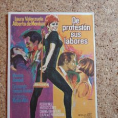 Folhetos de mão de filmes antigos de cinema: FOLLETO DE MANO DE LA PELÍCULA DE PROFESION SUS LABORES. Lote 270125733