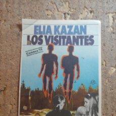 Folhetos de mão de filmes antigos de cinema: FOLLETO DE MANO DE LA PELICULA LOS VISITANTES. Lote 274893643