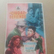 Cine: LA CIUDAD SE DEFIENDE. Lote 277164998