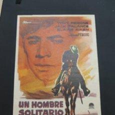 Cine: FOLLETO DE MANO UN HOMBRE SOLITARIO , TONY PERKINS ,. Lote 278543303