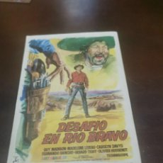 Folhetos de mão de filmes antigos de cinema: PROGRAMA DE MANO ORIG - DESAFÍO EN RÍO BRAVO - CON CINE DE MÁLAGA IMPRESO AL DORSO. Lote 284411058
