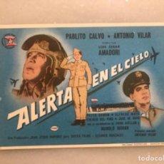 Folhetos de mão de filmes antigos de cinema: FOLLETO CINE ALERTA EN EL CIELO. PABLITO CALVO. CESÁREO GONZÁLEZ. Lote 285318133