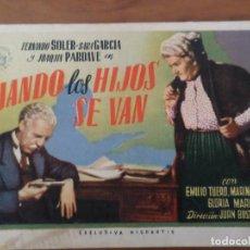 Cine: CUANDO LOS HIJOS SE VAN - FOLLETO DE CINE. Lote 288952248