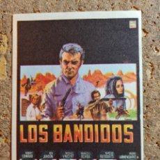 Cine: FOLLETO DE MANO DE LA PELICULA LOS BANDIDOS. Lote 295042748