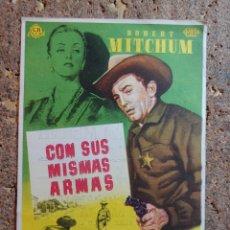 Cine: FOLLETO DE MANO DE LA PELICULA CON SUS MISMAS ARMAS CON PUBLICIDAD. Lote 295336923