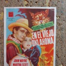 Cine: FOLLETO DE MANO DE LA PELICULA EN EL VIEJO OKLAHONA CON PUBLICIDAD. Lote 295339833