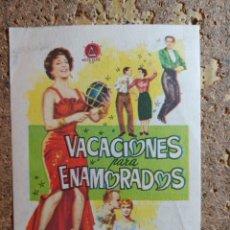 Cine: FOLLETO DE MANO DE LA PELICULA VACACIONES PARA ENAMORADOS CON PIBLICIDAD. Lote 296791668