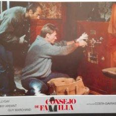 Cine: FOTOGRAMA CONSEJO DE FAMILIA FILL DE COSTA GAVRAS CON JOHNNY HALLYDAY. Lote 88293483