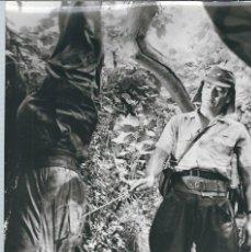 Cinema: G180- PRECIOSA FOTOGRAFIA -ORIGINAL DE -PELICULAS BELICAS- JAPONES CON PRISIONERO. Lote 107250471