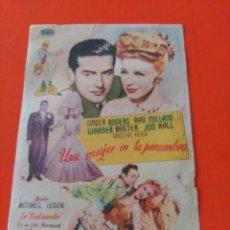 Cine: UNA MUJER EN LA PENUMBRA. Lote 195209837