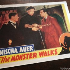 Cine: FOTO FILM THE MONSTER WALKS, 1932. 29'5X23'5CM.. Lote 236329575