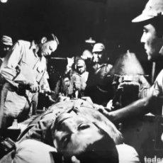 Cine: DOS FOTOS DE FRANK SINATRA DE PELÍCULA. AÑOS 70. ROGAMOS LEER BIEN LA DESCRIPCIÓN ANTES DE PUJAR.. Lote 275558713