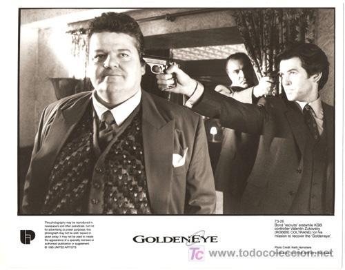 F10140D GOLDENEYE JAMES BOND 007 PIERCE BROSNAN FOTO ORIGINAL B/N INGLESA (Cine - Fotos y Postales de Actores y Actrices)