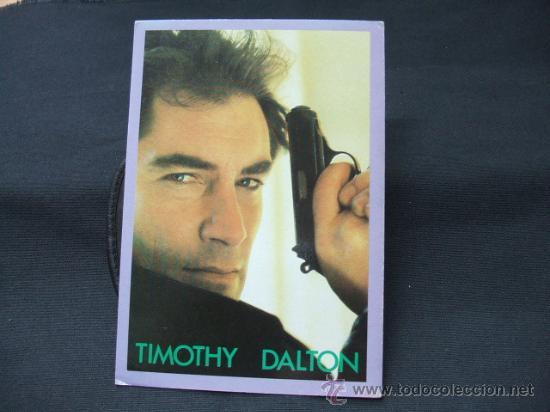 TARJETA POSTAL - TIMOTHY DALTON - TUER N'EST PAS JOUER - (Cine - Fotos y Postales de Actores y Actrices)