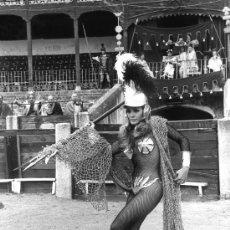 Cine: CARMEN SEVILLA ESPECTACULAR FOTO DEL FILM SEX O NO SEX 1974 (INMEJORABLE CALIDAD NEGATIVO). Lote 116090922