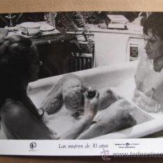 Cine: LAS MUJERES DE 30 AÑOS FOTOS DE LA PELICULA. Lote 30852458