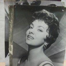 Cine: + GINA LOLLOBRIGIDA ANTIGUA POSTAL AÑOS 1956 TRAPECIO. Lote 30867707