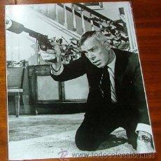 Cine: FOTOGRAFÍA DE LEE MARVIN EN LA PELÍCULA 'CÓDIGO DEL HAMPA (THE KILLERS)'. Lote 35622397