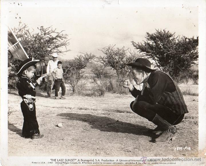 FOTO ORIGINAL REGIS TOOMEY THE LAST SUNSET R ALDRITCH UNIVERSAL INTERNATIONAL IMPRESO EN U.S.A. 1961 (Cine - Fotos y Postales de Actores y Actrices)