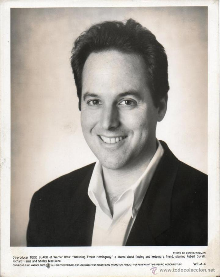 FOTOGRAFÍA ORIGINAL TODD BLACK WRESTLING ERNEST HEMINGWAY WARNER BROS 1993 DENNIS WALMAN (Cine - Fotos y Postales de Actores y Actrices)