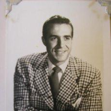 Cine: FOTO DE RICARDO MONTALBAN - 9 CM X 14 CM - BLANCO Y NEGRO - AUTOGRAFIADA (DÉCADA DE 1950). Lote 40302001