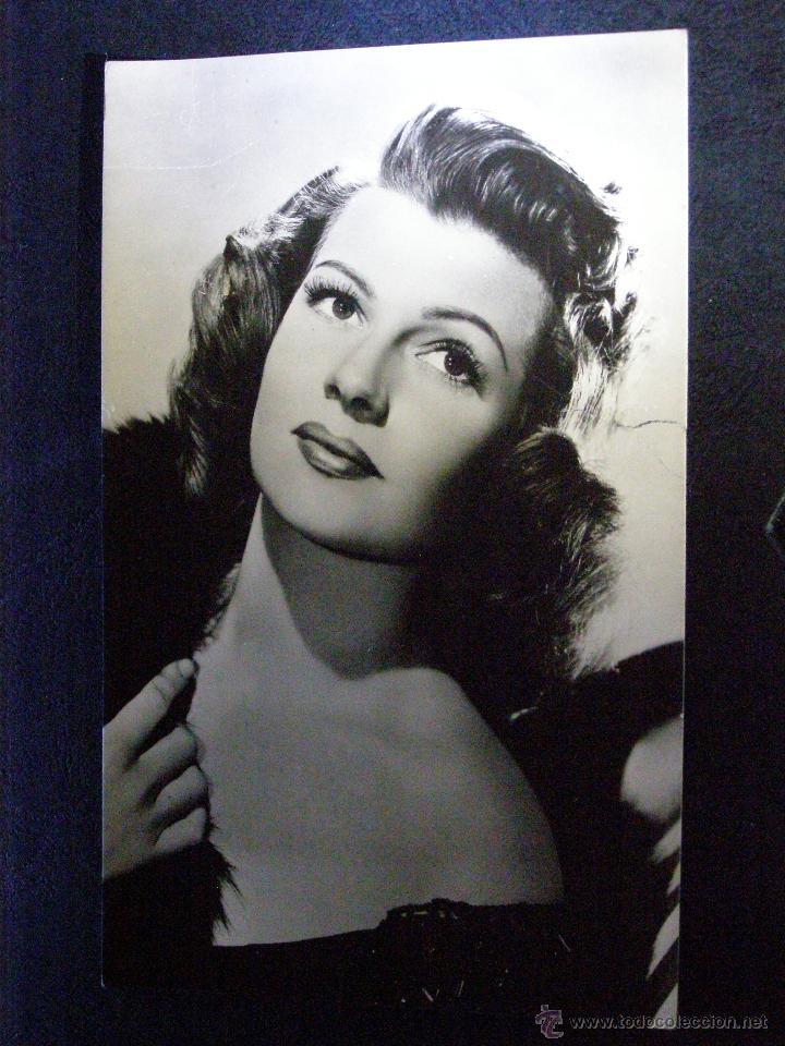 ANTIGUA FOTO-POSTAL - RITA HAYWORT - SIN ESCRIBIR - (Cine - Fotos y Postales de Actores y Actrices)
