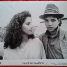 Cine: FOTOGRAFÍA GRANDE PELÍCULA CRUCE DE CAMINOS. Lote 43419607