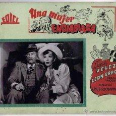 Cine: UNA MUJER ENDIABLADA. CARTELERA DE CARTÓN, FOTOCROMO DEL ESTRENO EN ÁVILA EN 1942. Lote 45348200