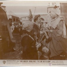 Cine: FOTOGRAFIA DE BURT LANCASTER. VIRGINIA MAYO. THE FLAME AND THE ARROW.. Lote 45789044
