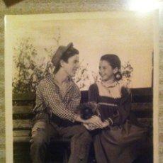 Cine: FOTO ORIGINAL AMERICANA - GENE REYNOLDS Y VIRGINIA WEIDLER METRO GOLDWYN MAYER 20X26 CINE AÑOS 40 50. Lote 47178638