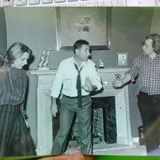 Cine: ALFREDO LANDA, LOLA HERRERA Y A. MERCERO EN EL RODAJE DE LA PROXIMA ESTACIÓN, 1986, 24*16APROX. . Lote 48657477