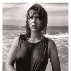 Sexy SOPHIE MARCEAU actress PIN UP postcard - Publisher RWP 2003 (1)