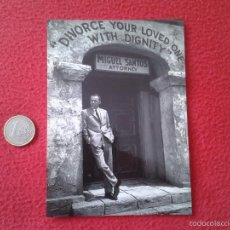 Cine: PRECIOSA POSTAL POSTCARD DE CINE ACTOR FRANK SINATRA IN MARRIAGE ON THE ROCKS VER FOTO/S Y DESCRIPC . Lote 55907746