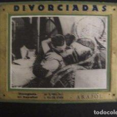 Cine: DIVORCIADAS - FOTOCROMO DE CARTON ANTIGUO- ARAJOL - VER FOTOS - (V-7447). Lote 66445662