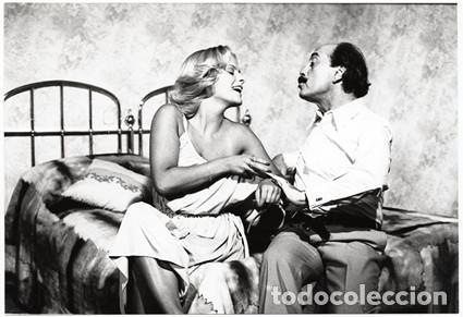 COPIA VINTAGE FOTO DE INMA DE SANTIS Y JOSÉ LUIS LÓPEZ VÁZQUEZ, 'NUNCA EN HORAS DE CLASE' (1978) (Cine - Fotos, Fotocromos y Postales de Películas)