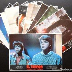 Cinema: LOTE COMPLETO DE 12 FOTOCROMOS AFICHES EL TERROR LLAMA A SU PUERTA. JASON LIVELY TOM ATKINS 1986. Lote 248264470