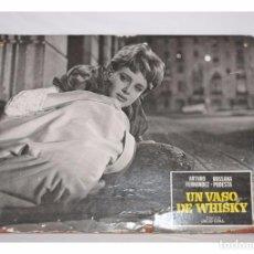 Cinema: UN VASO DE WHISKY - FOTOCROMO DE CARTÓN. Lote 87518163
